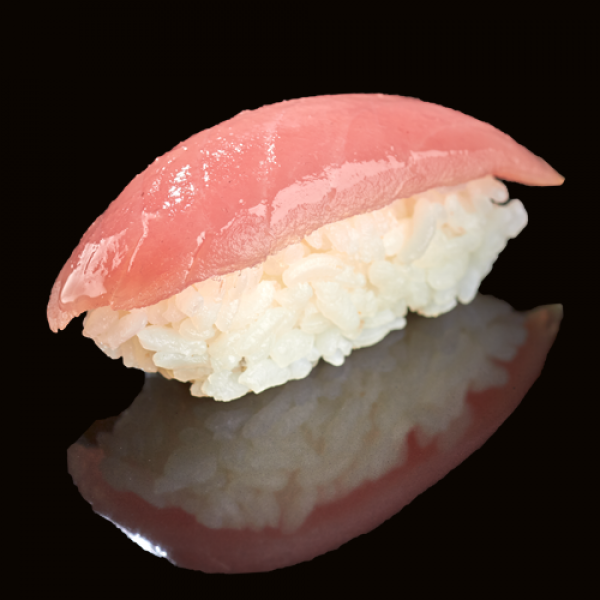 Classic sushi with tuna (1 PCs)
