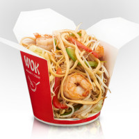 Udon noodles with shrimps in yakitori sauce
